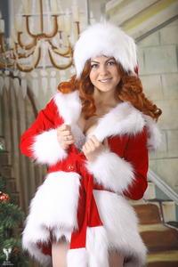 http://img23.imagevenue.com/loc102/th_531589256_silver_angels_Sandrinya_I_Christmas_1_096_123_102lo.jpg