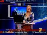 [IMG]http://img23.imagevenue.com/loc1106/th_77938_Simona_Tironi_-_Diretta_Stadio_071021_4_123_1106lo.jpg[/IMG]
