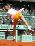 http://img23.imagevenue.com/loc137/th_66256_Maria_Sharapova_04.jpg