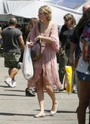 Taylor Swift Shops the Melrose & Fairfax Flea Market in West Hollywood 08/28/11- 51 HQ