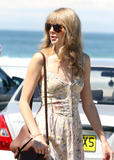 Тайлор Свифт, фото 12237. Taylor Swift Bondi Beach after breakfast at Bill Darlinghurst in Sydney - 08.03.2012, foto 12237