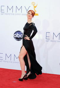 http://img23.imagevenue.com/loc258/th_846807723_AlexandraBreckenridge_64thAnnualPrimetimeEmmyAwards_3_122_258lo.jpg