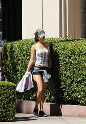 Vanessa Hudgens - Outside Dance class in LA, 8/27/2012