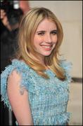 http://img23.imagevenue.com/loc465/th_967035367_EmmaRoberts_ChanelReadytoWearAW2011_2012duringParisFashionWeekMarch82011_By_oTTo10_122_465lo.jpg