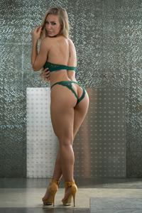Nicole-Aniston-Glamour--i6s33uvx0w.jpg
