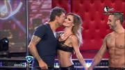 Beso a Tinelli