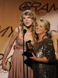Taylor Swift - Страница 3 Th_86664_008_122_578lo